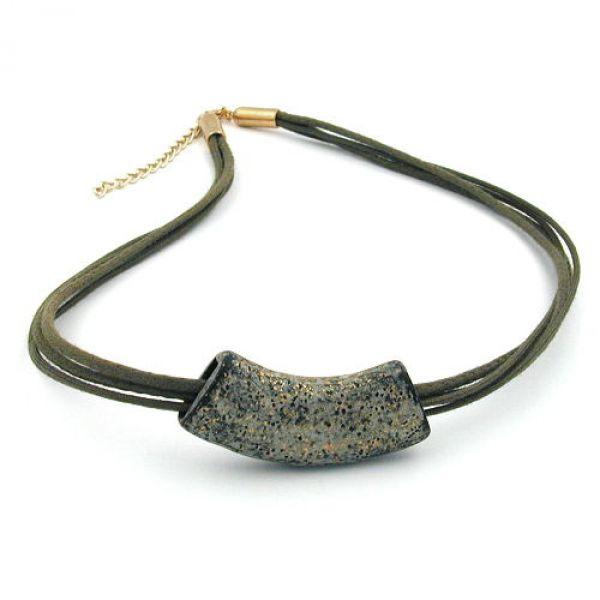 Collier, Rohr flach-gebogen stein-oliv 50cm
